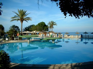 spain-holiday-pool-wallpapers_492_1600